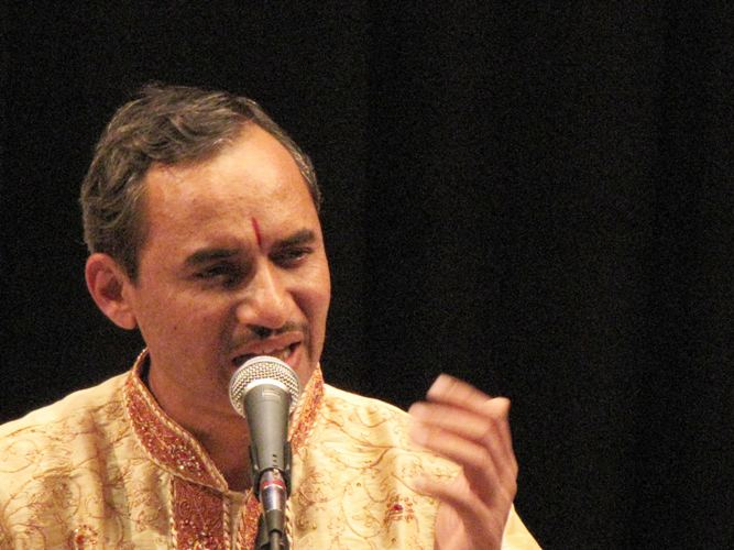 The main artist-Chandrashekhar Vaze.jpg