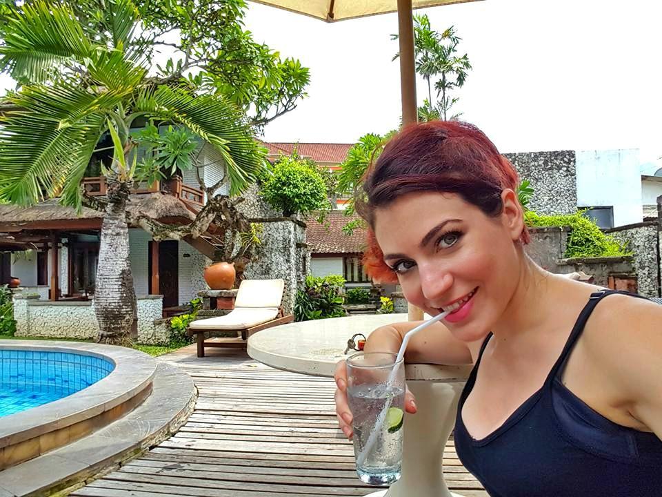 drink pool side.jpg