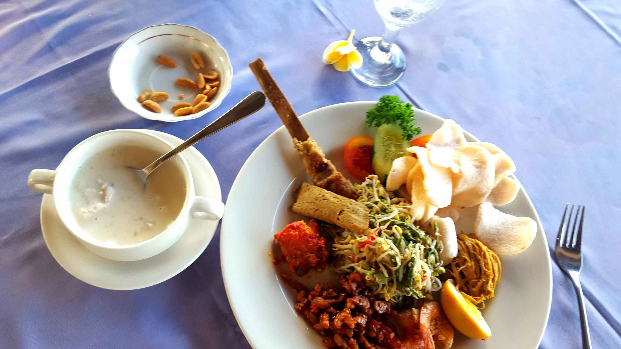 huge balinese meal.jpg