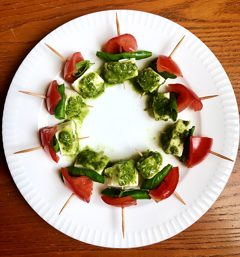 Tomatomozzarella (1).jpg