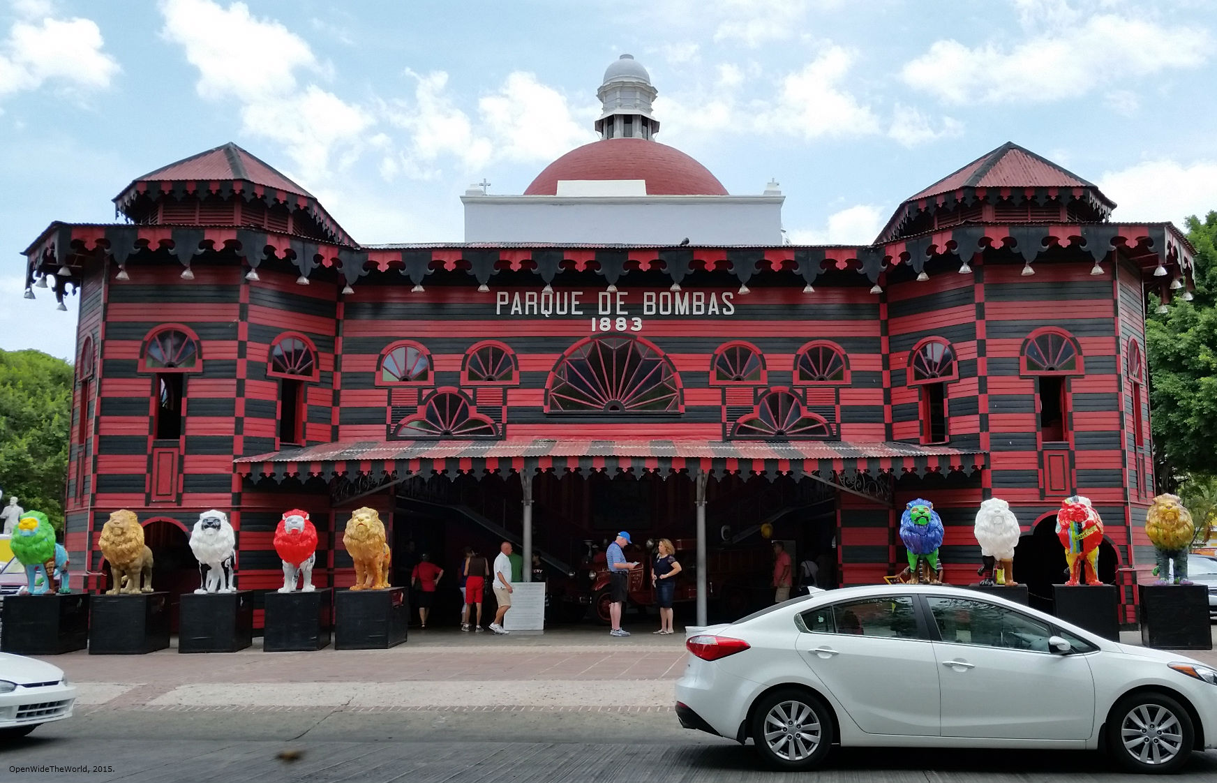 Parque de Bombas, Puerto Rico's very first fire station, was originally built as a fair exhibit hall. It was converted to a fire station in 1885, and maintained that function for more than 100 years.