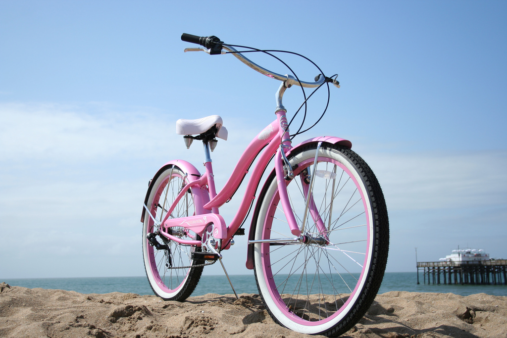 Beach cruisers, which have enjoyed renewed popularity in the last 20 years, typically have balloon tires, upright seating, and a single speed. They are generally very stable, relatively slow, and easy to ride, all factors that make for ideal cruising along beachfront boardwalks. (photo: Ehsan Taba)