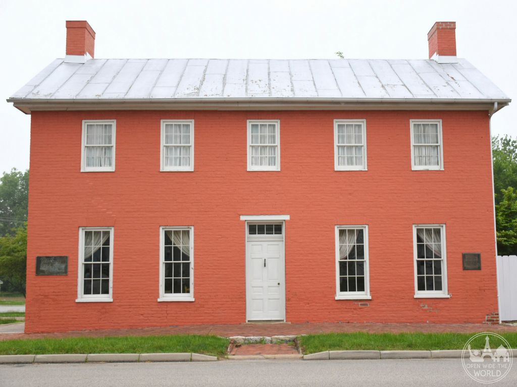 The Levi and Catharine Coffin House was built in 1839. Its structure was designed to be functional for the work of helping freedom seekers continue safely on their journey northward.