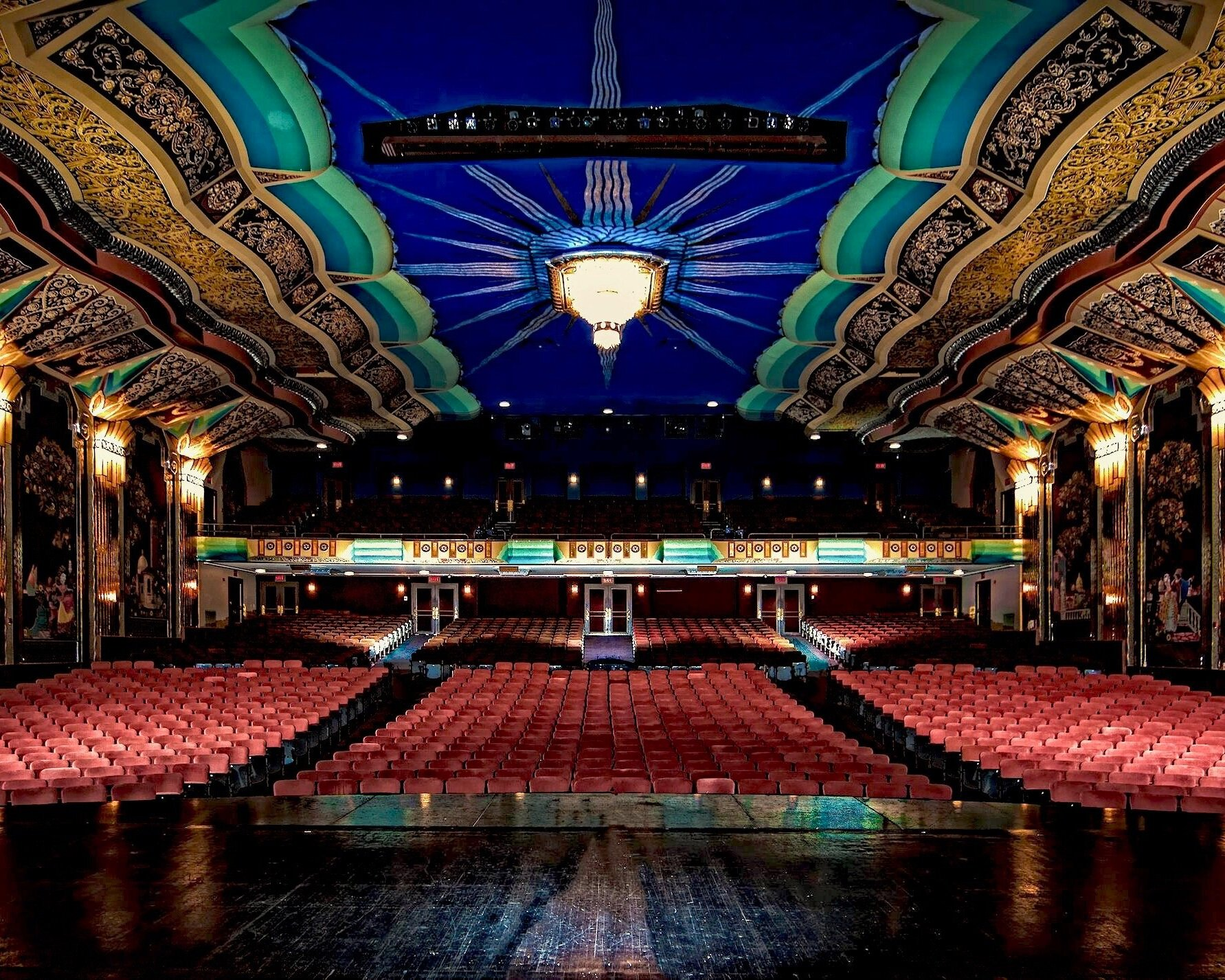 Paramount Theatre, Aurora, Illinois, combines Venetian décor and Art Deco architecture, as well as putting on amazing Broadway shows!