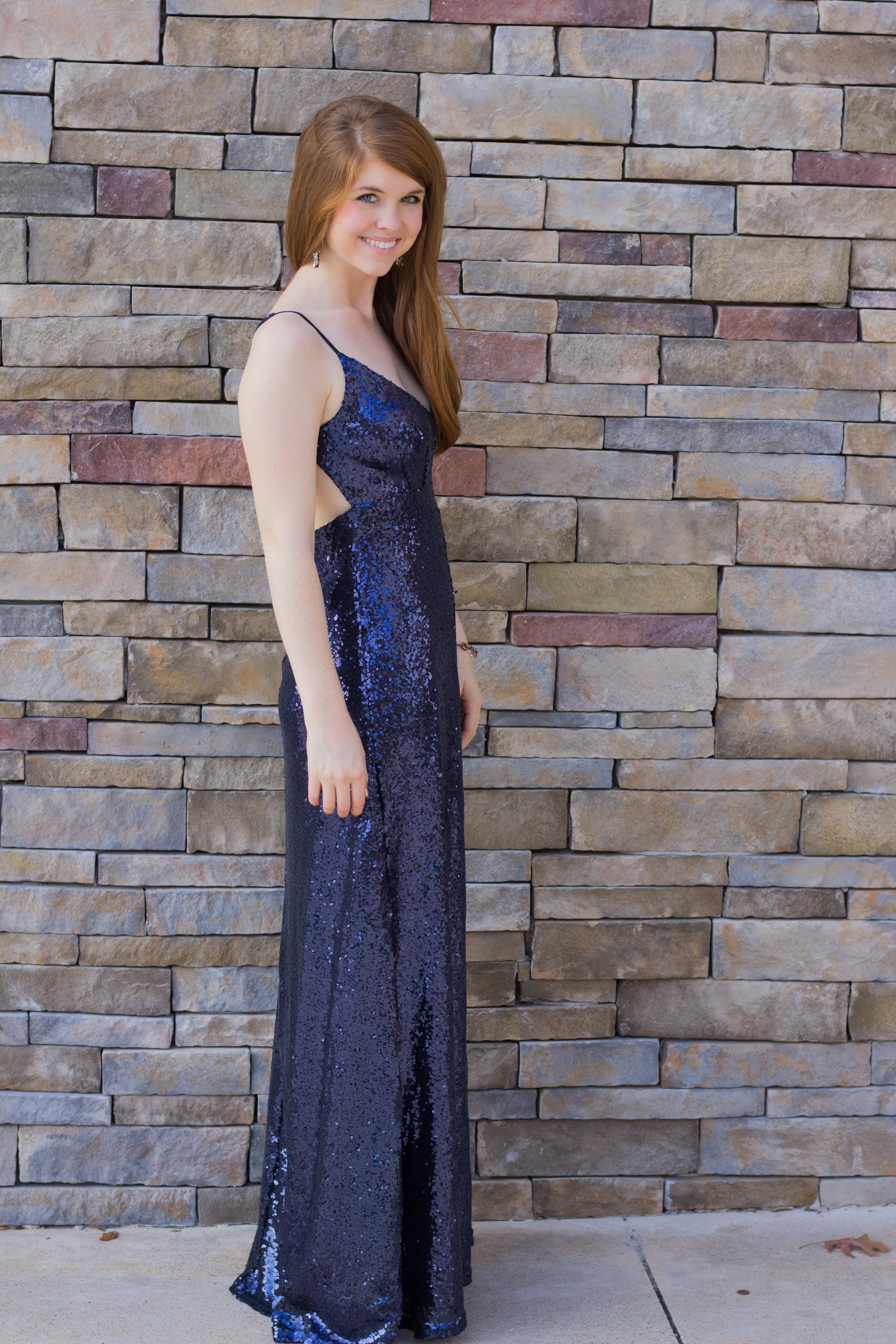 navy sequin maxi dress, nude heels, kendra scott, nye look