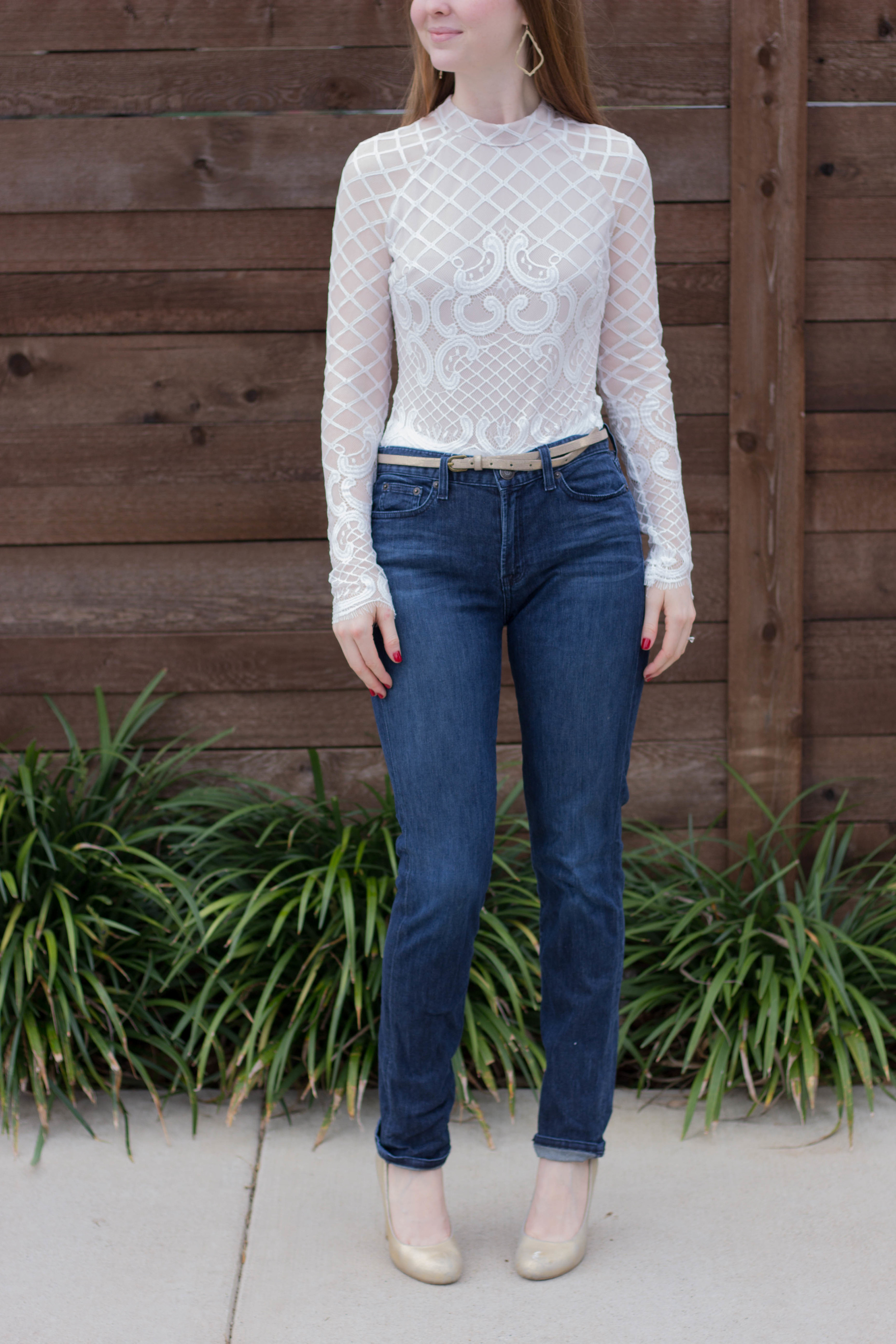 latiste white body suit, j crew high waisted jeans, kimchi blue gold pumps, kendra scott sophee earrings, how to style a bodysuit