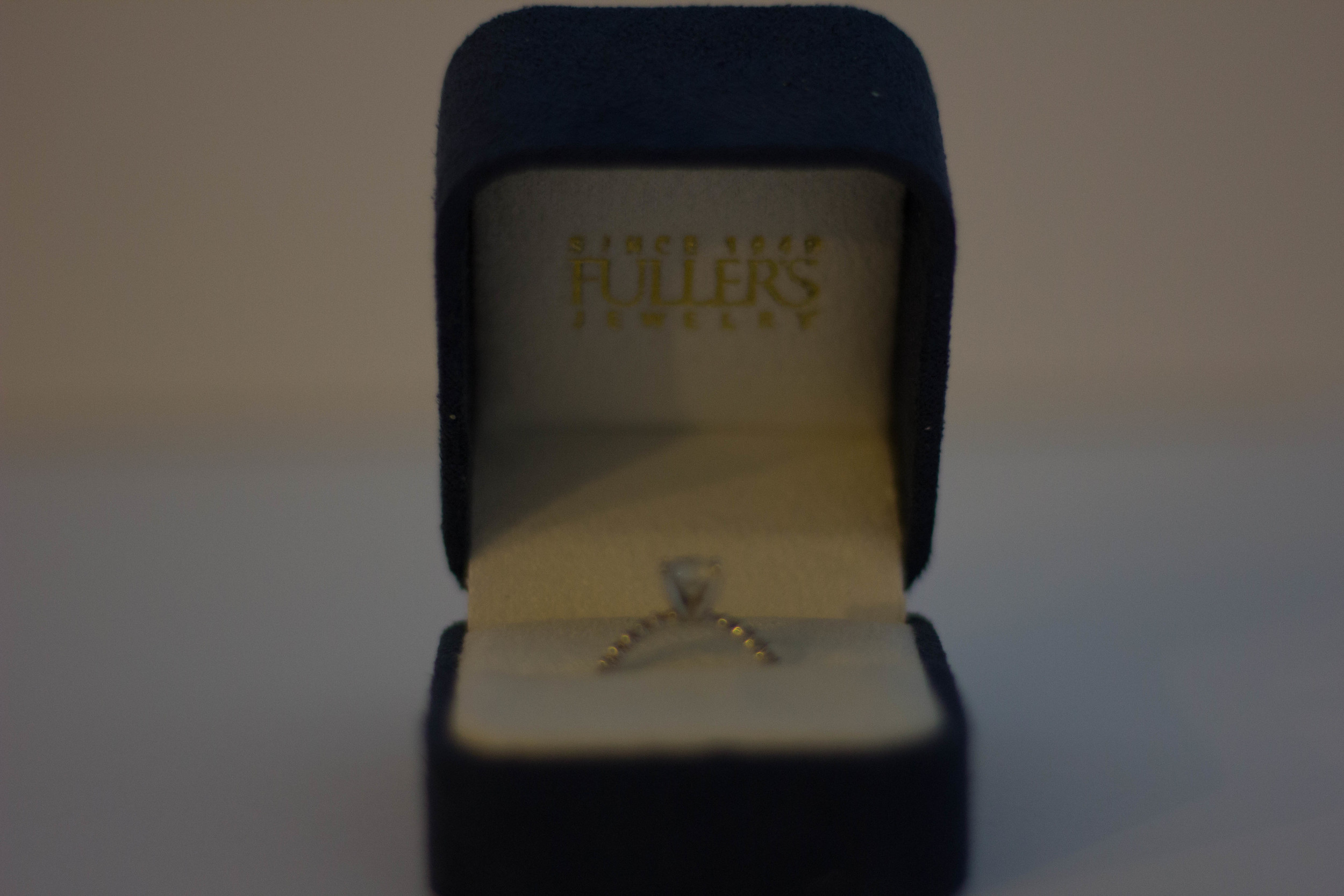 fuller's jewelry store, engagement ring, dallas engagement ring store, diamonds, jewelry, solitare