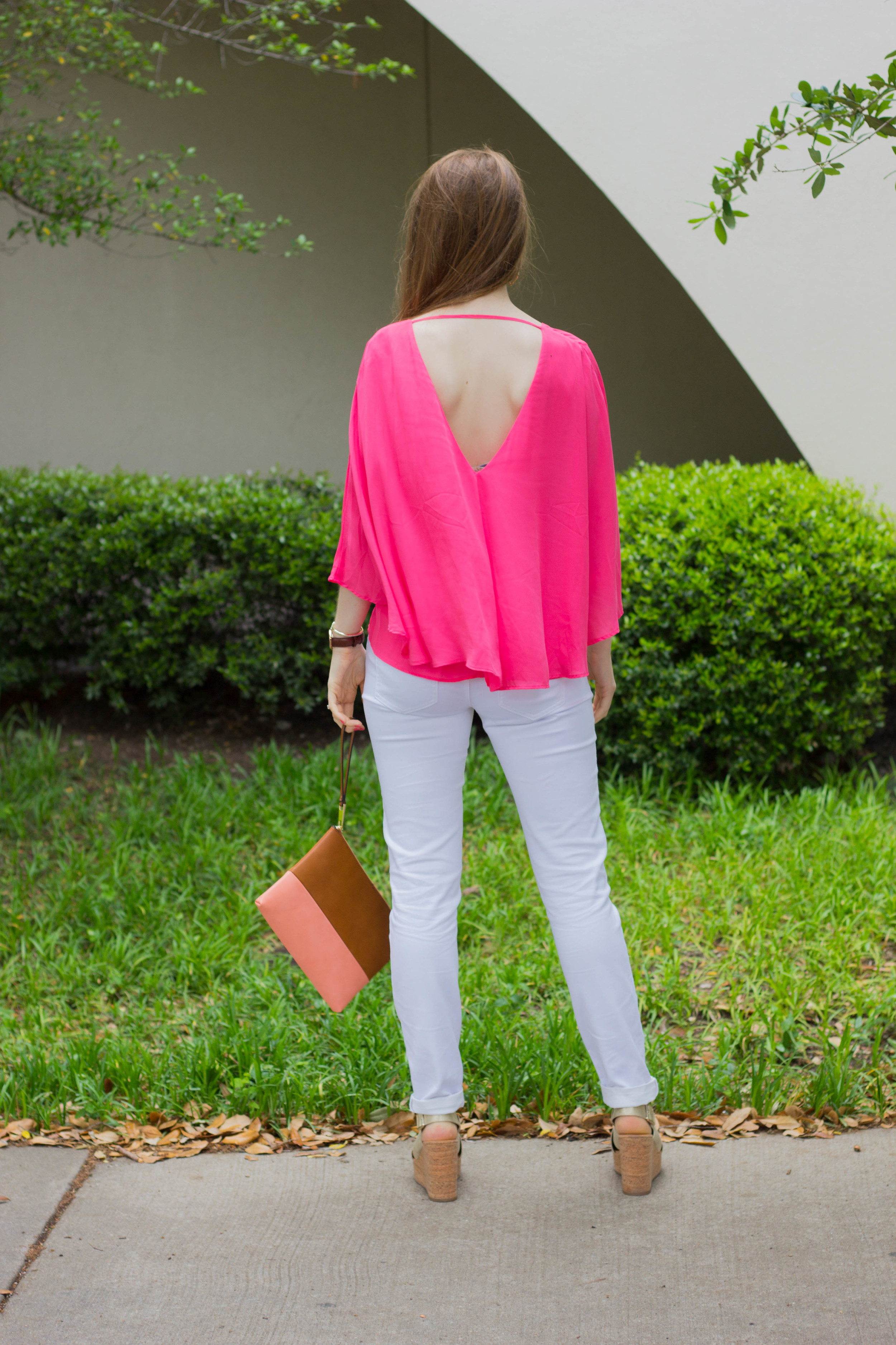 le tote, cupcakes and cashmere flowy cape top, white jeans