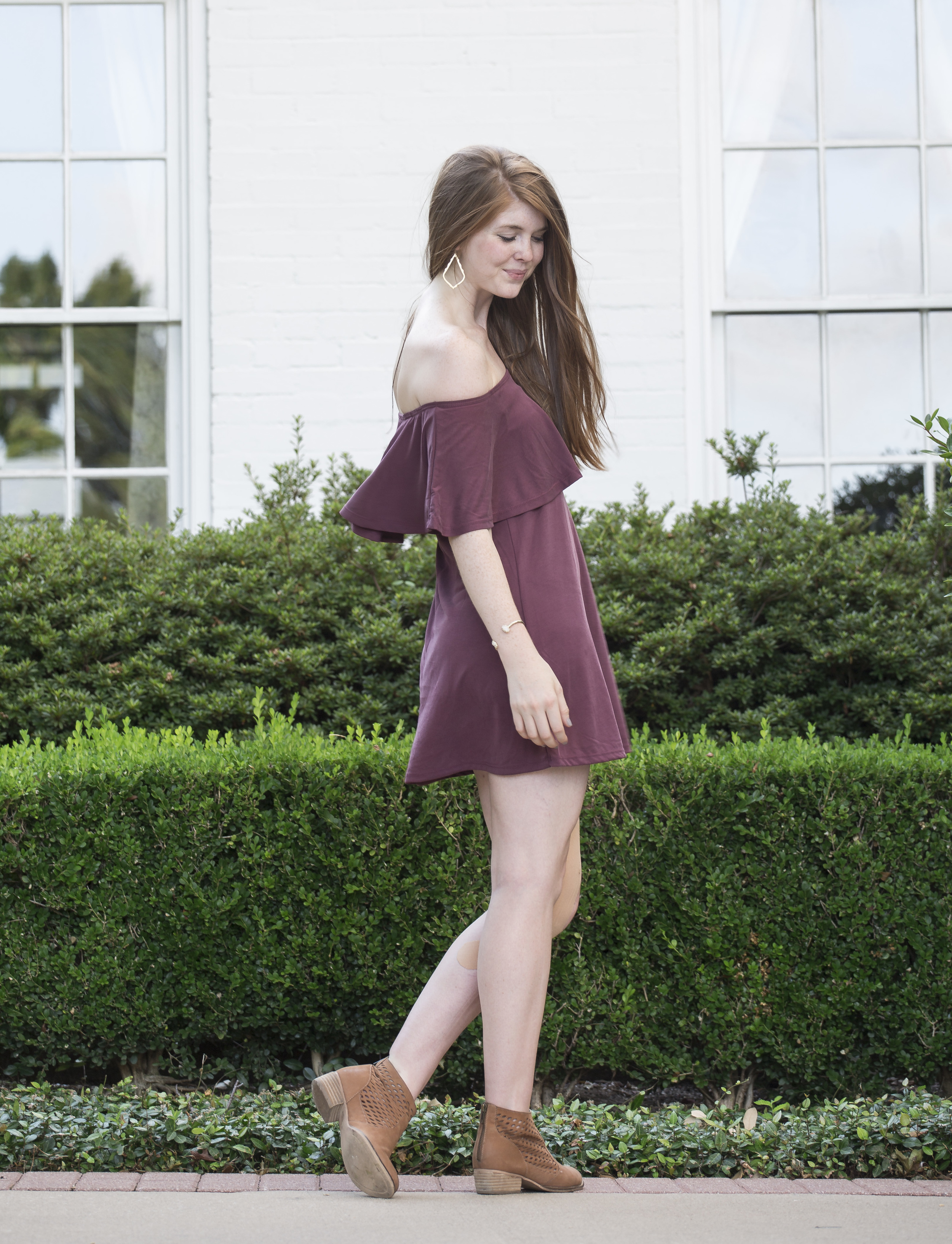 bp maroon off the shoulder cotton dress, seychelles waypoint booties, kendra scott sophee earrings, kendra scott druzy cuff, daniel wellington watch, jomashop, sarah kelly photography, dallas photography, arlington hall at lee park