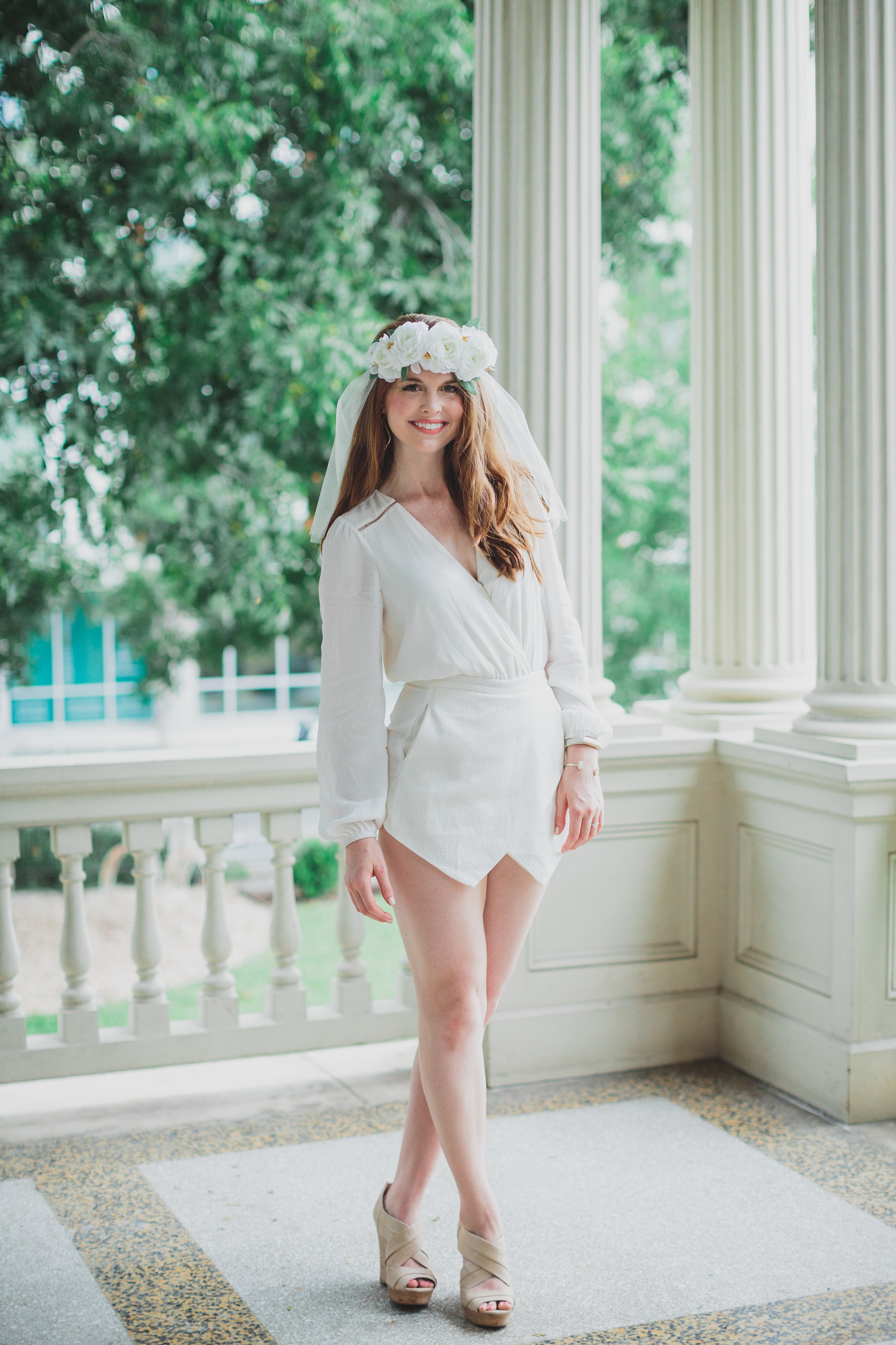 bachelorette party in austin, texas, TX, what to do in austin, what to do for your austin bachelorette party, lovers and friends white romper, seychelles wedges, kendra scott sophee earrings, kendra scott elton cuff, opi be there in a prosecco, kelly costello photography