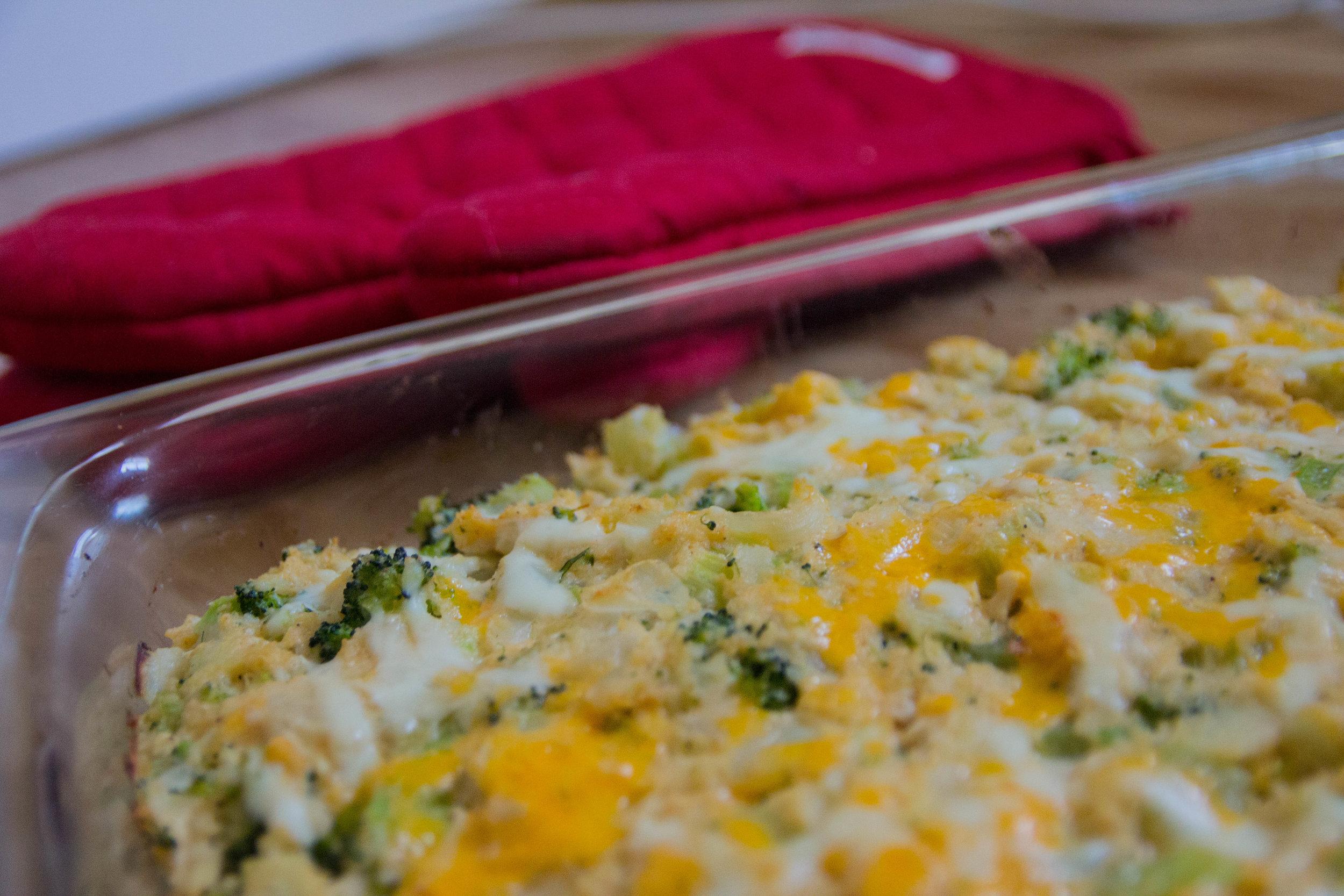 cheesy chicken cauliflower rice casserole, cauliflower recipes, william sonoma, casserole recipes, oven mitts, bed bath and beyond flatware