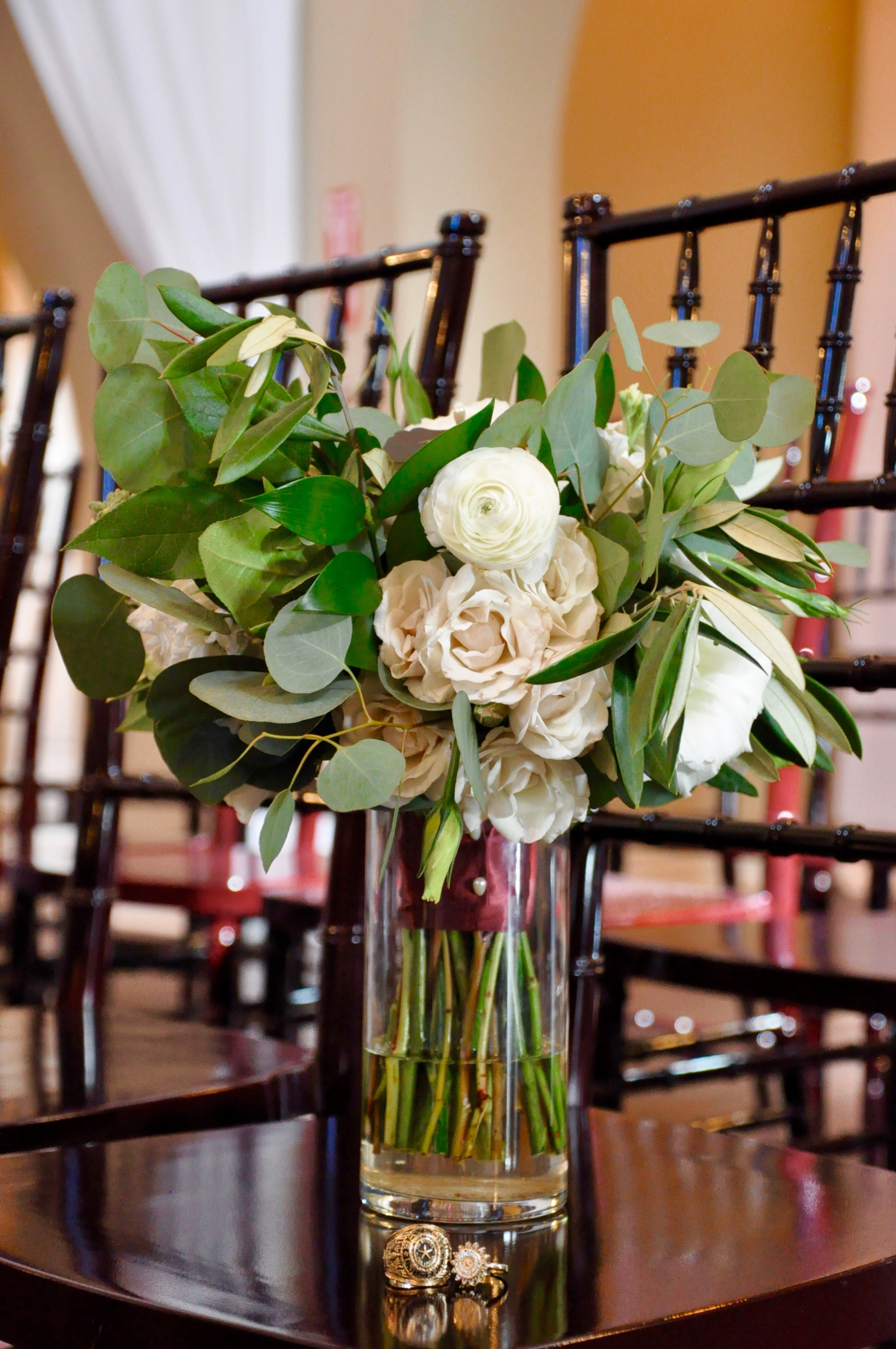 lizzie bee's flower shoppe, dallas wedding flowers, bridal flowers in dfw, heidi lockhart somes photography, the castle at rockwall, wedding tips, dallas bride