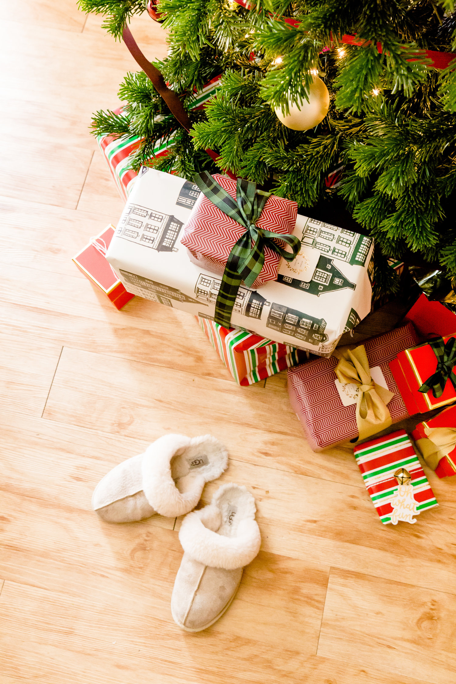 madison katlin photography, list of stores participating in national free shipping day, online stores with free shipping that will arrive in time for christmas, christmas gift guides under $100