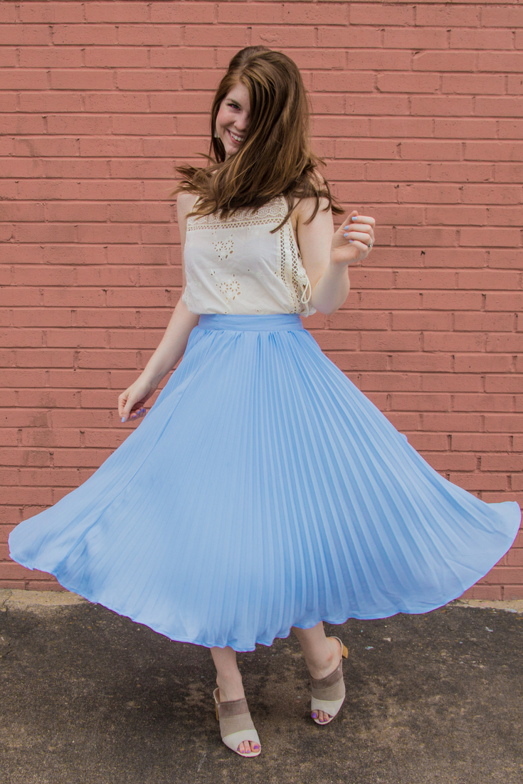 work life balance, what my average day looks like, what does a blogger do, kendra scott, english factory pleated skirt, suede mule sandals, free people garden party cami blouse, pleated skirt, kendra scott denise earrings