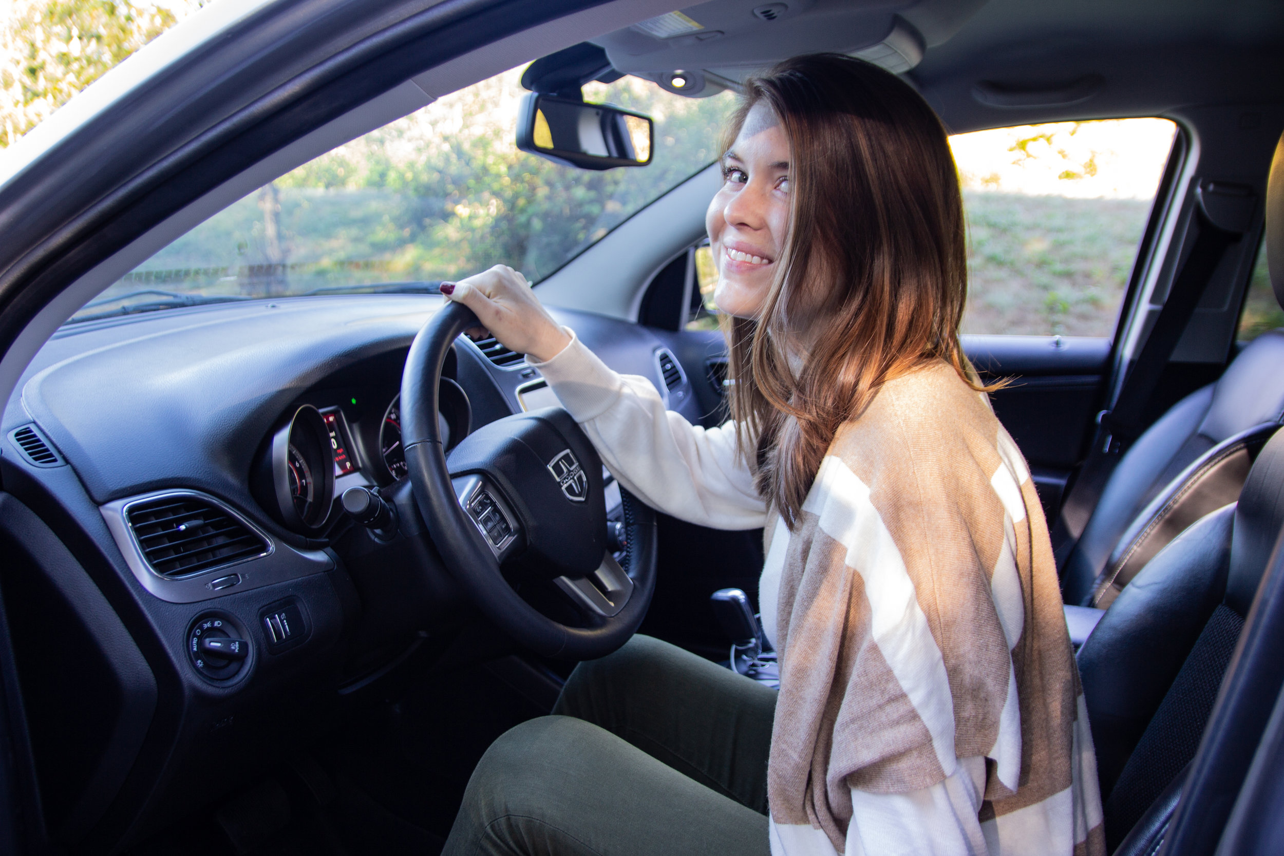 rattlesnake ridge, rattlesnake ledge trail, turo, skip the rental counter, rent a car, air bnb for cars, dodge journey, loft girl, olive madewell jeans, how to rent a car with turo, turo reviews