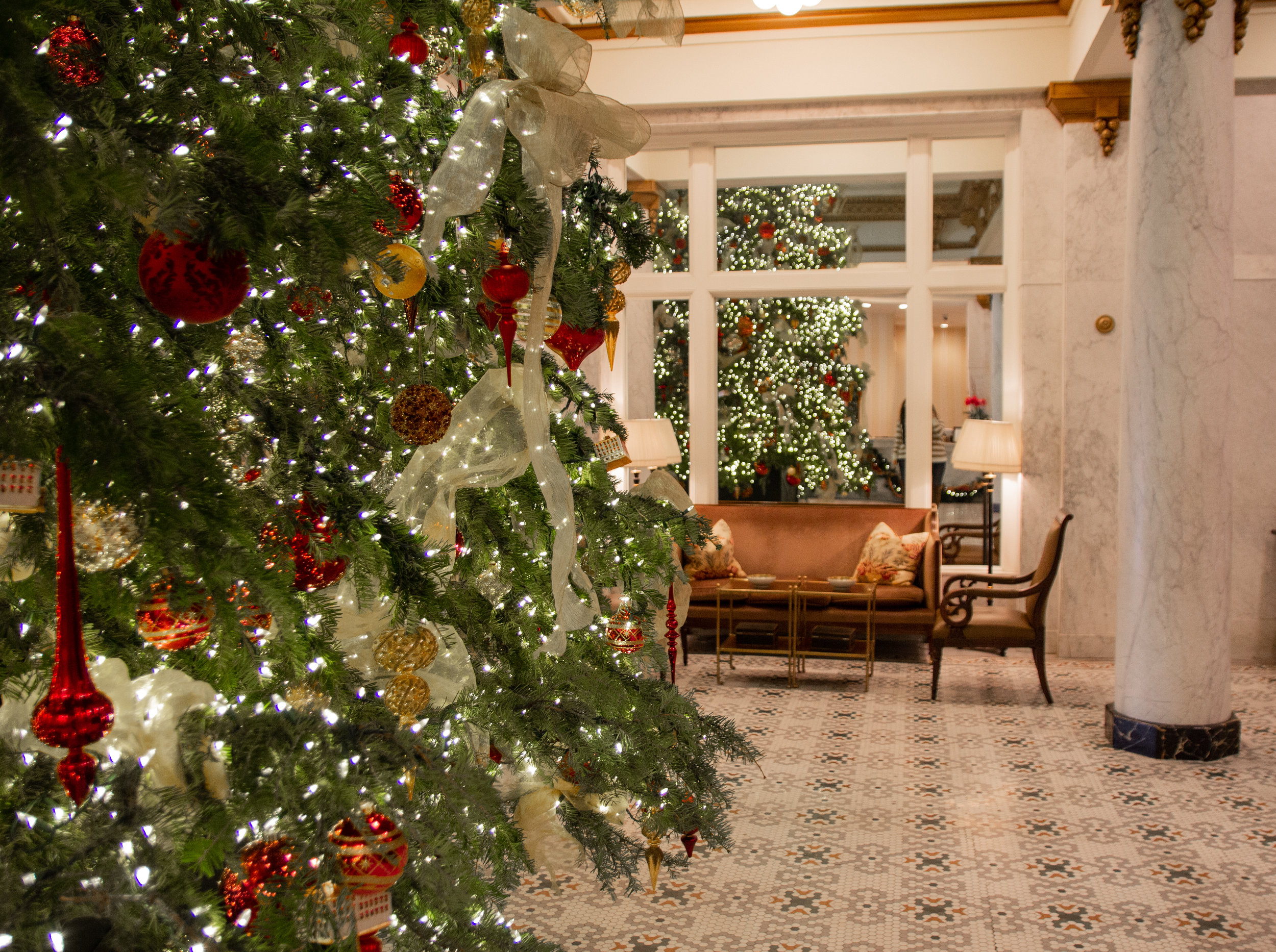 where to stay in little rock, arkansas, the capital hotel little rock, travel blogger, visit arkansas, little rock hotels, downtown, where to take christmas pictures in arkansas