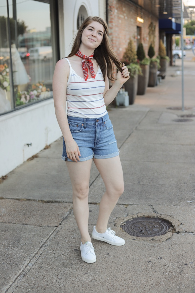 cute 4th of july outfit, fourth, madewell denim shorts, white cariuma sneakers, red bandana, lments of style, ellemulenos