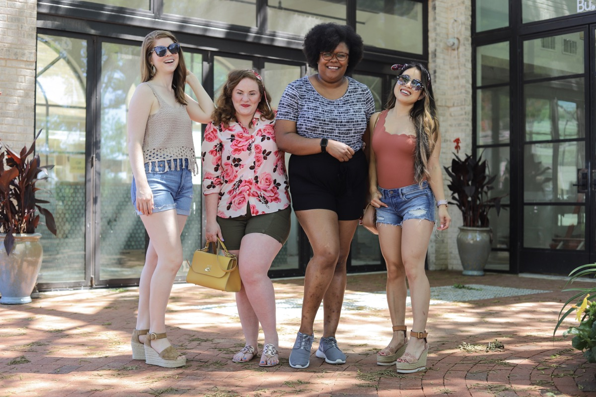 style for every body shorts edition, short, petite, curvy, tall, plus size, cut offs, denim shorts, lments of style, ellemulenos, the ginger marie blog, the healthy curve, cute and little, dallas bloggers