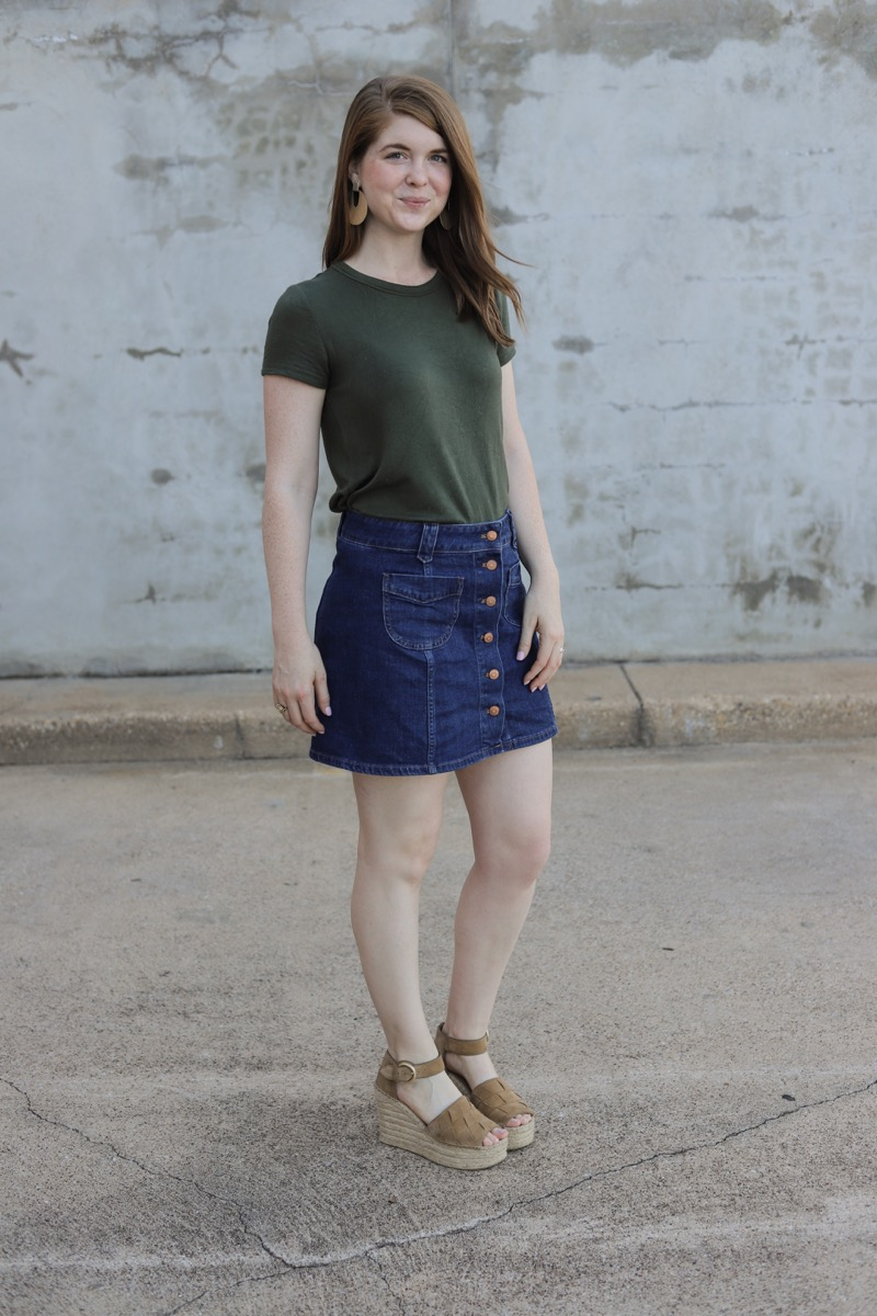 how to style a basic t-shirt, amazon t-shirt, soft tee, madewell denim skirt, marc fisher adalla wedges, different ways to wear a shirt