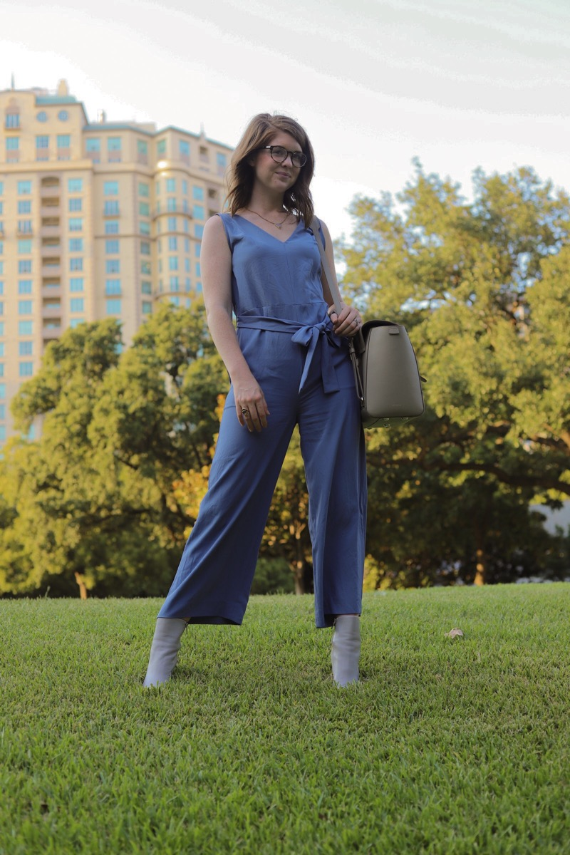 how to prepare for an interview, women in the workplace, witw, everlane, senreven maestra, warby parker tortoise glasses, ankle booties, lments of style, ellemulenos