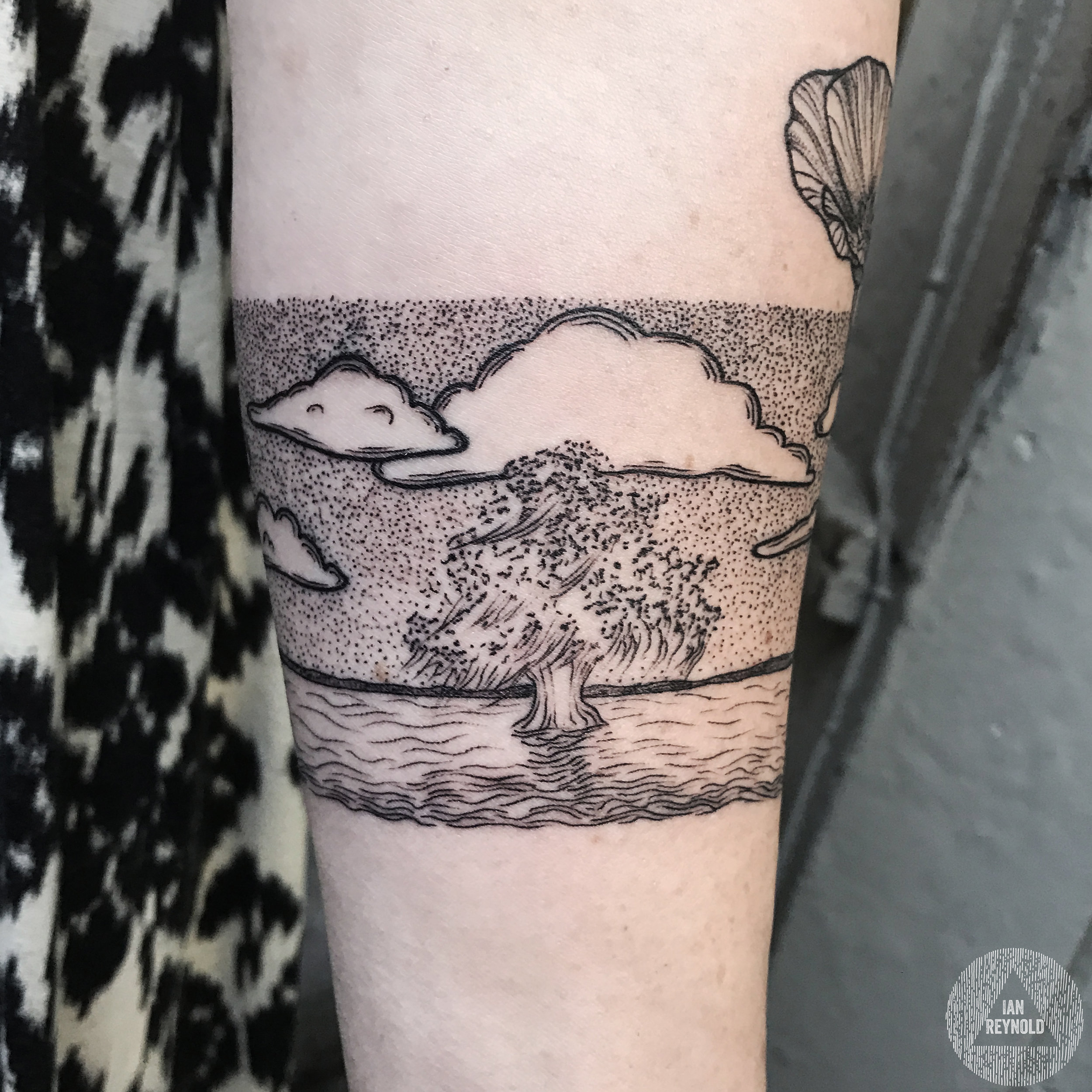 Willow tree poppy arm band