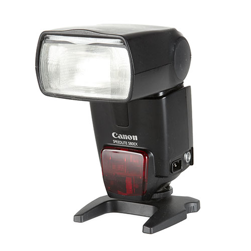 <p><strong>Canon Speedlite</strong>$40 per day<br>Canon 580 EX</p>