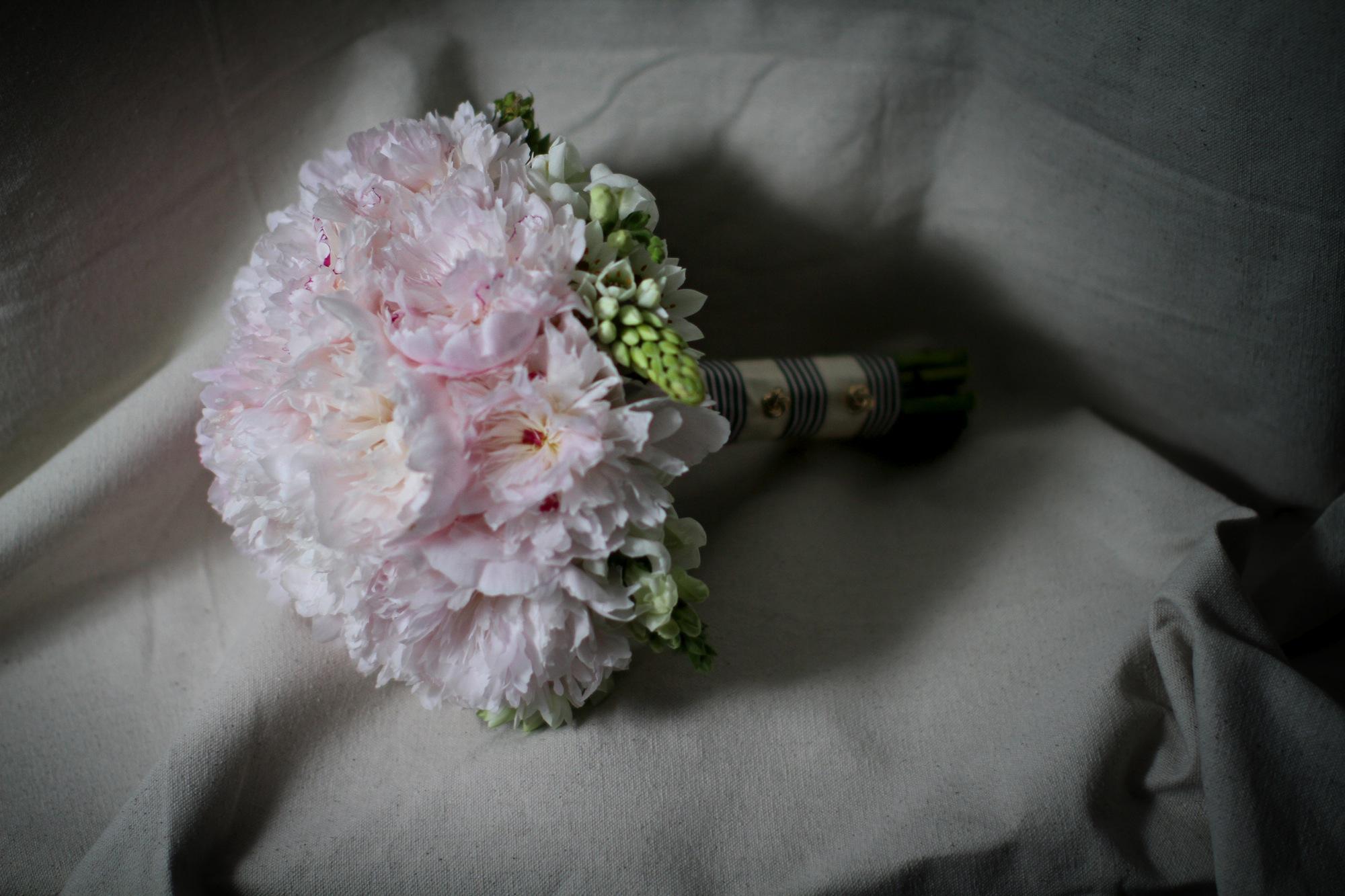 chanel_wedding12bouquets.jpg
