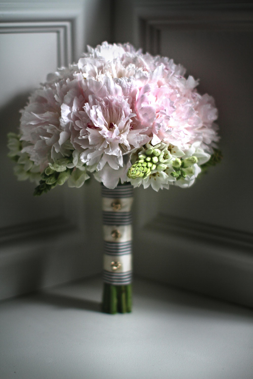 chanel_wedding13bouquets.jpg