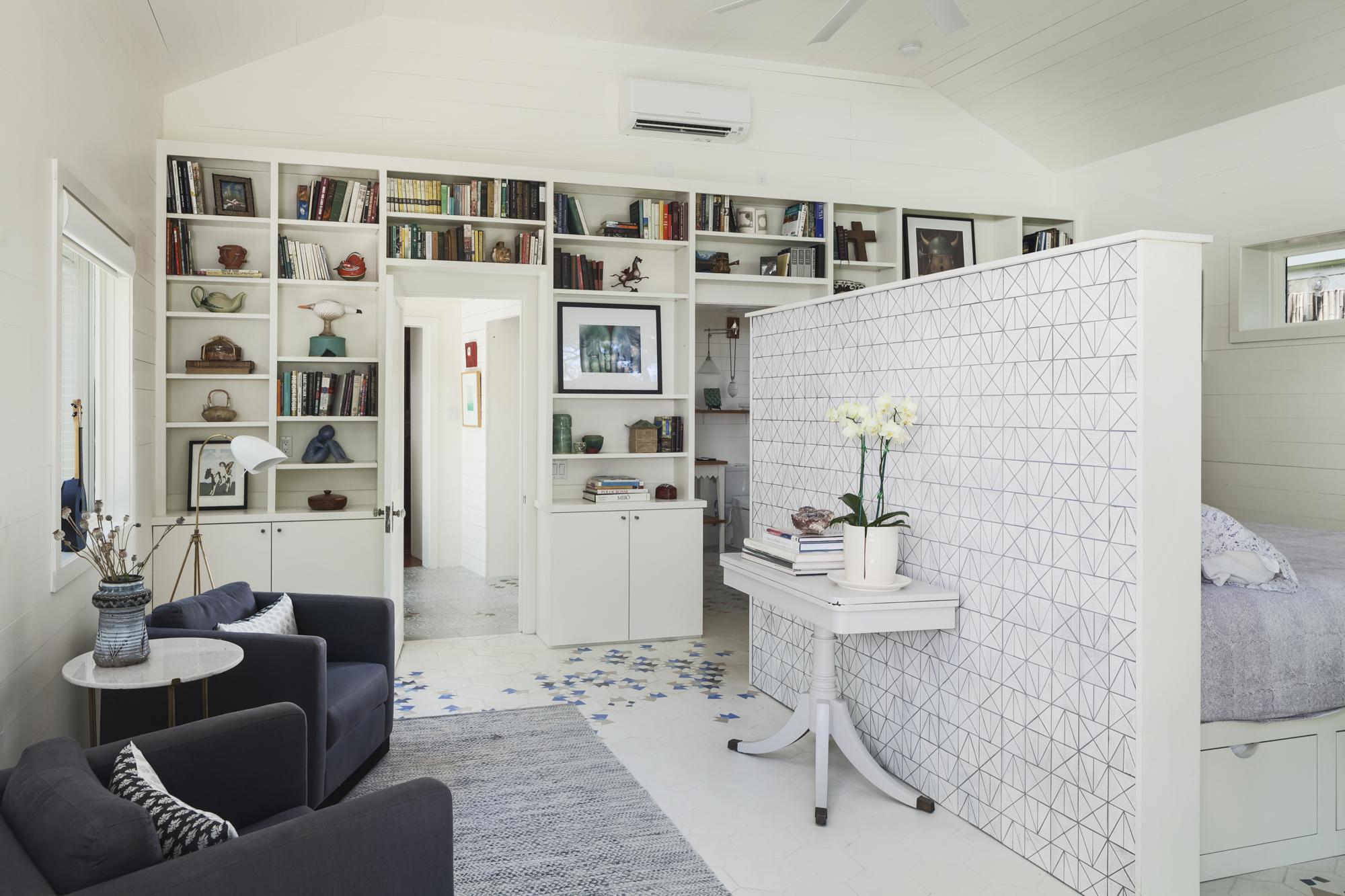 Elizabeth-Baird-Architecture-Annie Street-sitting room and bedroom.jpg
