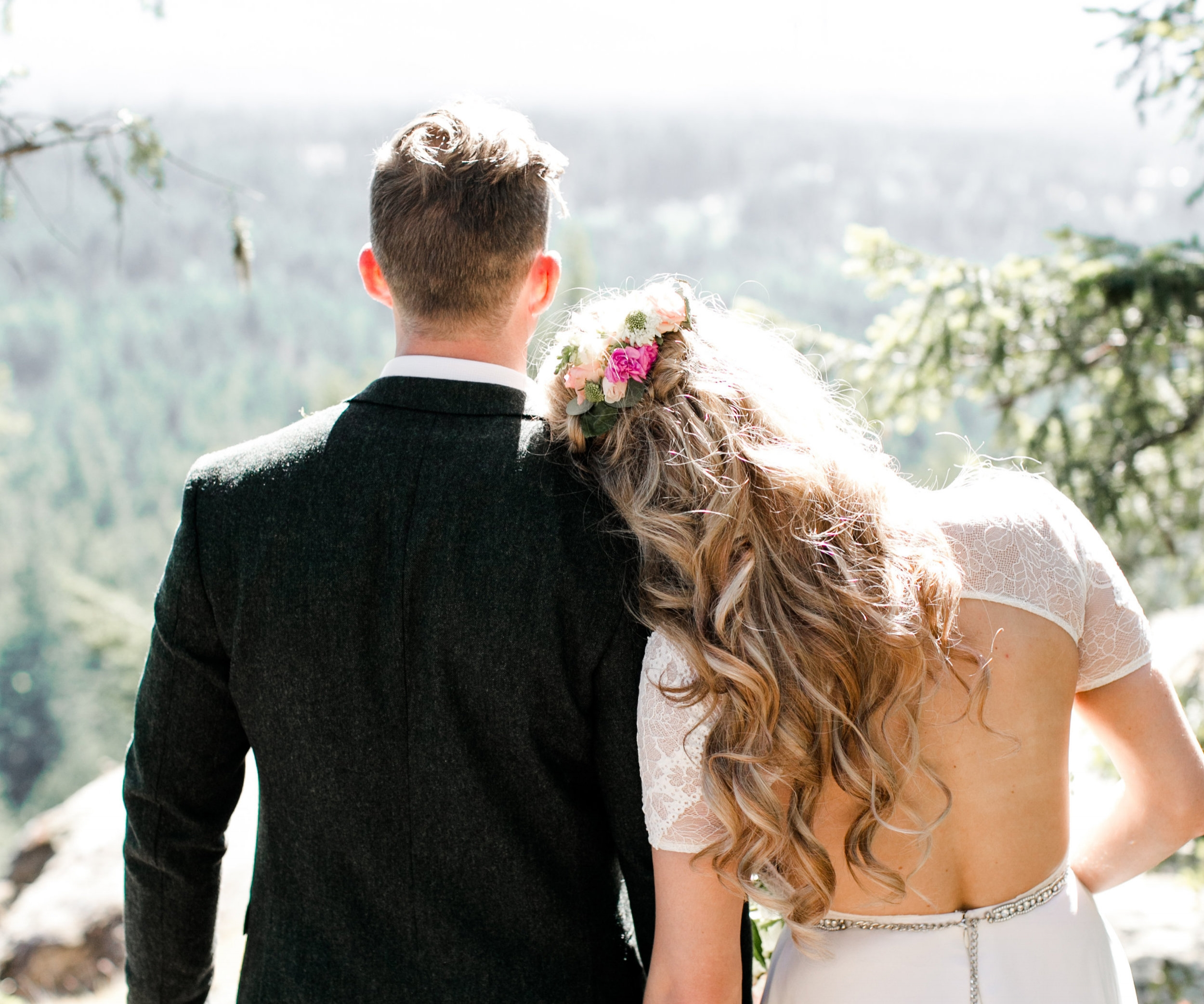 Vancouver-Island-Coombs-Little-Mountain-Blush-Wedding.jpg