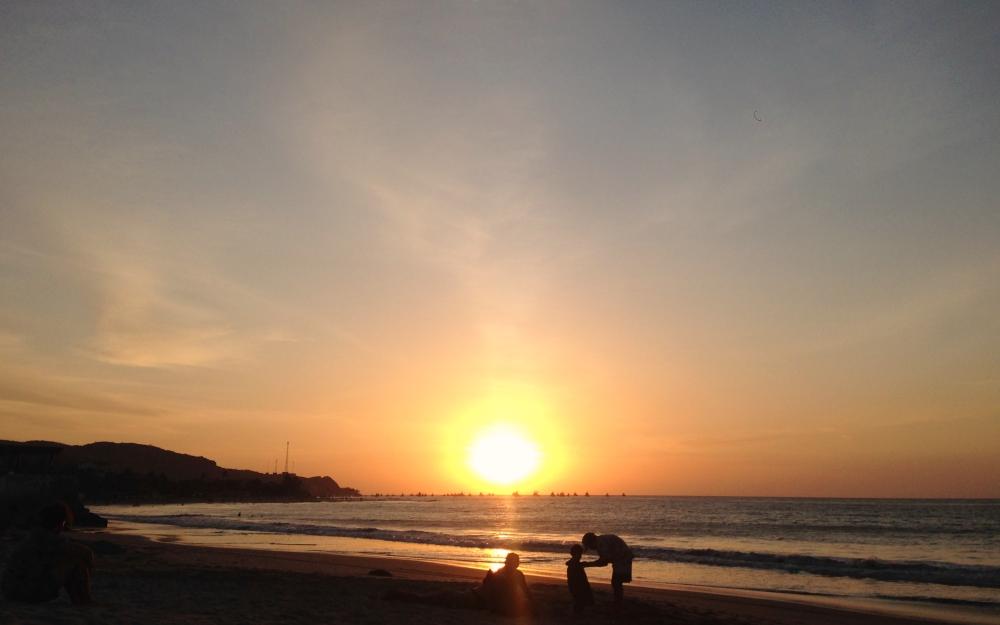 Sunset_Mancora_01_Sm.jpg