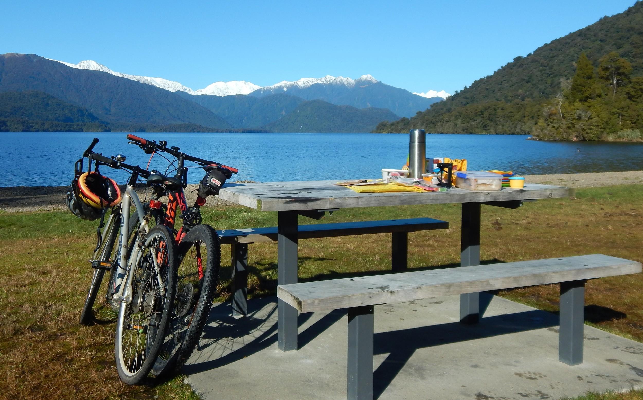Parked up at Lake Kaniere