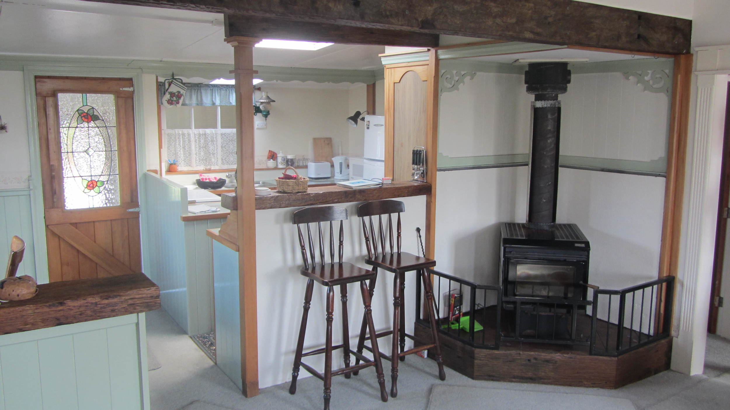 Maggies Accomodation in Kumara. Clean, Cosy, Comfy.