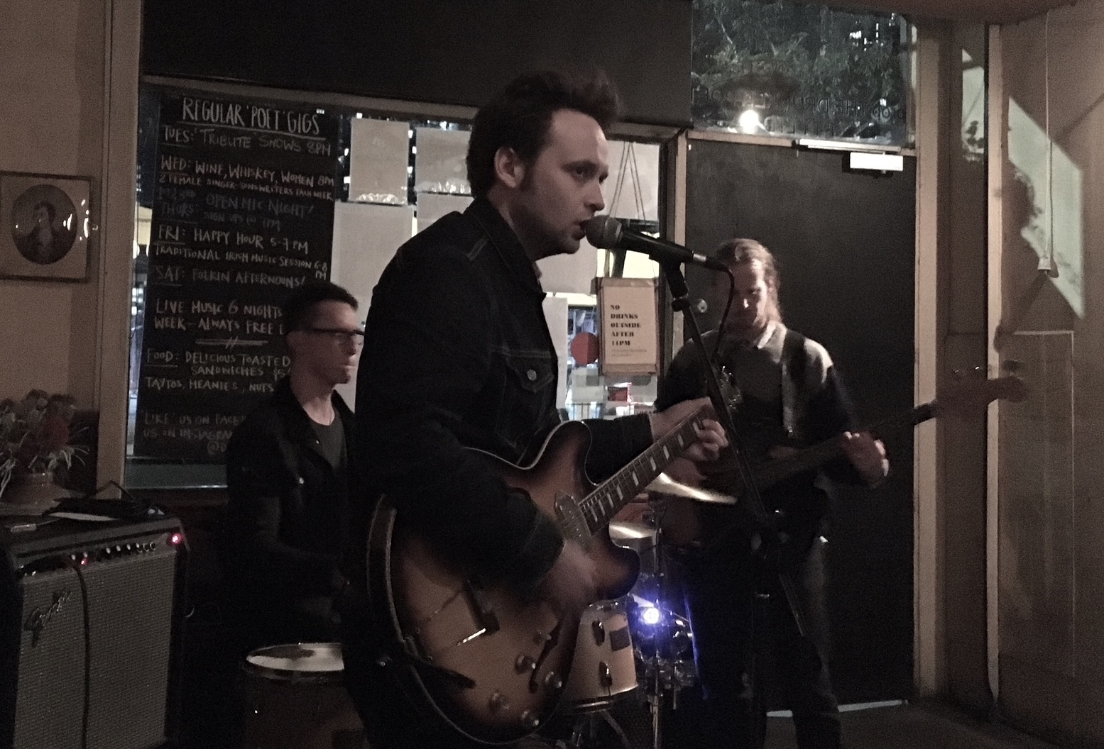 CP Experiment at The Drunken Poet, Nth Melbourne, on 26/9/2017. Photo by Erin.