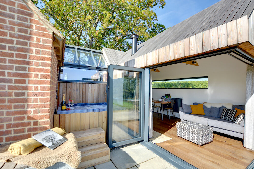 Holiday cottages with hot tubs - Lookers Legacy