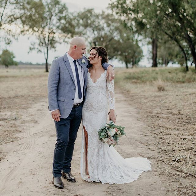 J&E, you have stolen our hearts 💕 Our first private property wedding back for 2019 and it had us totally swooning. A gorgeous pair, no more deserving of their gorgeous day after they postponed their original wedding date in Spring last year due to some serious health worries. They're finally Mr & Mrs Byrne ✨ Congratulations beautiful people! 📸 @sophiebakerphoto