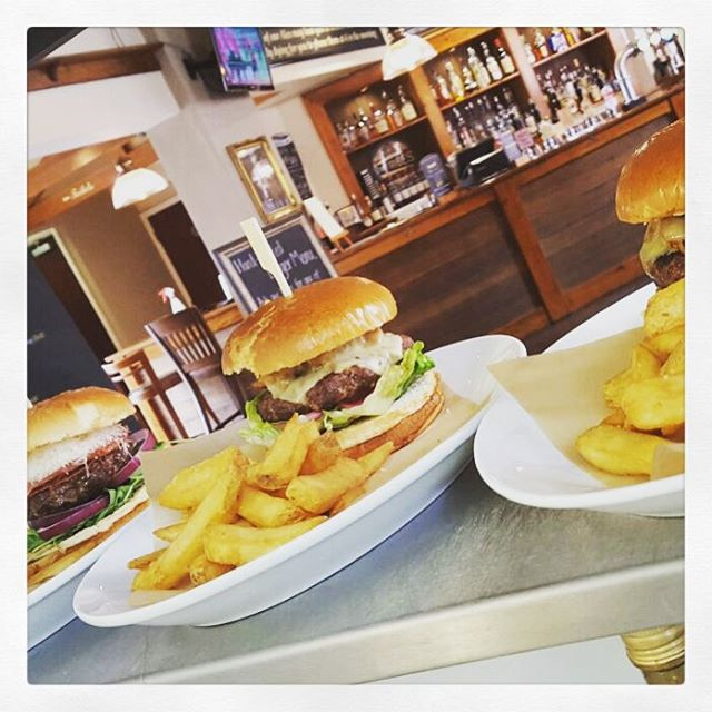 "Check out a few of our new Burger creations.. ""Pig On The Pull"" & ""The Italian Job"" don't forget it's TWO-for-ONE Tuesdays & they are all served up with a host of side orders! #Burgers #LeicestershirePub #BeautifulPubs @everardsbrewery"