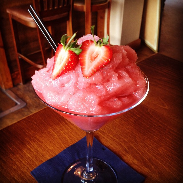 Seeing as the suns out to play we thought we would too.. #StrawberryDaiquiri #Frozen #Rum #cocktails