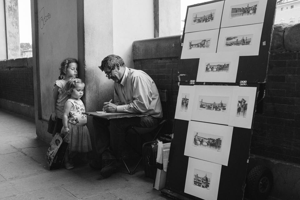 Watching an artist at work | Firenze