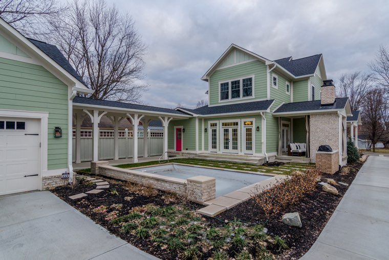 Your design group will know how to make your custom-build adhere to your lot size.
