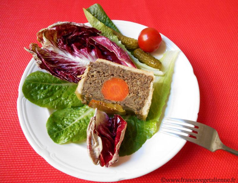 Pâté-en-croûte-lentilles-morceau-vegan.jpg
