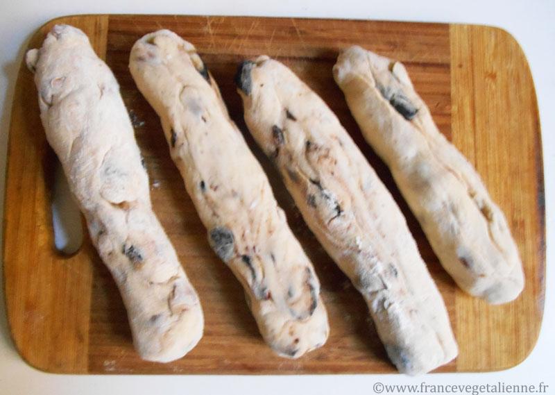 Croquets-aux-amandes-et-olives-préparation-1.jpg