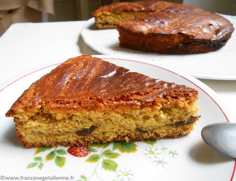 Gâteau breton fourré à la crème de pruneaux (recette végétalienne)