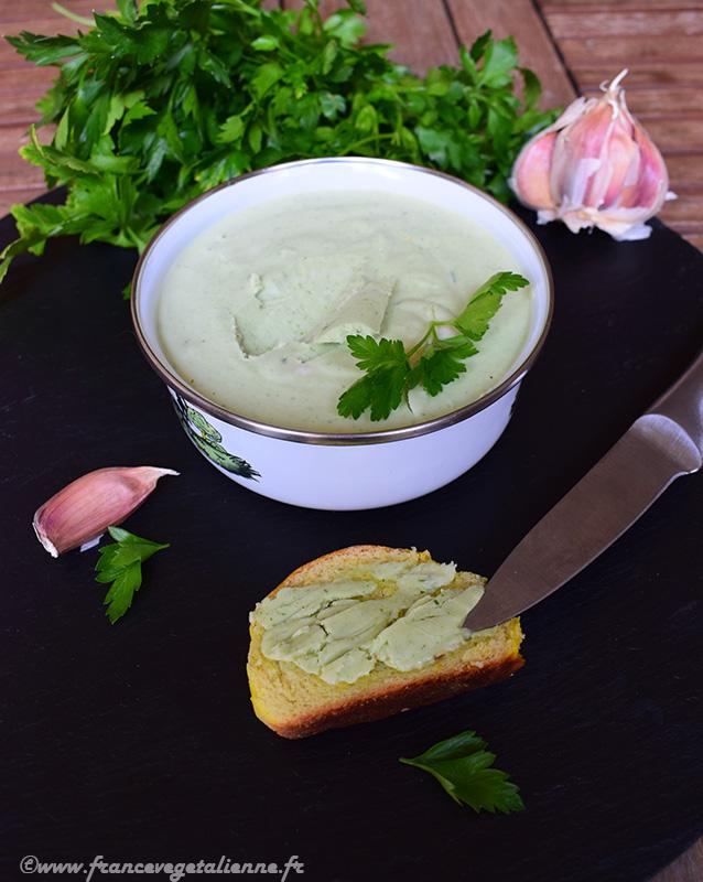 Tartinade au beurre végétal, ail et persil