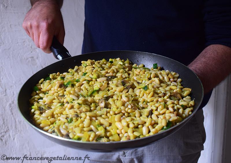 Poêlée-de-flageolets-aux-légumes-vegan.jpg