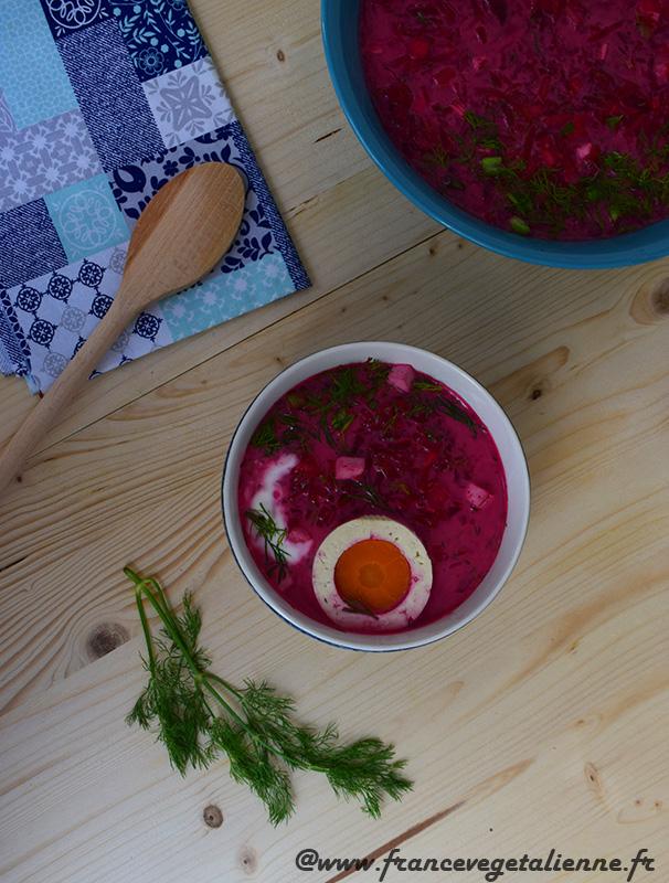 Kholodnik (soupe froide à la betterave et au concombre)