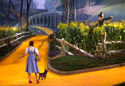 dorothy-meets-the-scarecrow-in-the-wizard-of-oz-1939-1