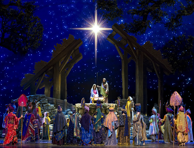 The-Living-Nativity_Radio-City-Christmas-Spectacular.jpg