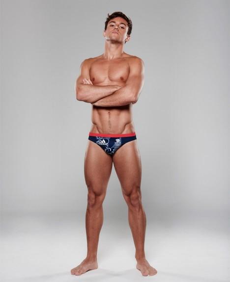 adidas-team-gb-kit-stella-mccartney-rio-olympics_dezeen_936_0-468x575.jpg