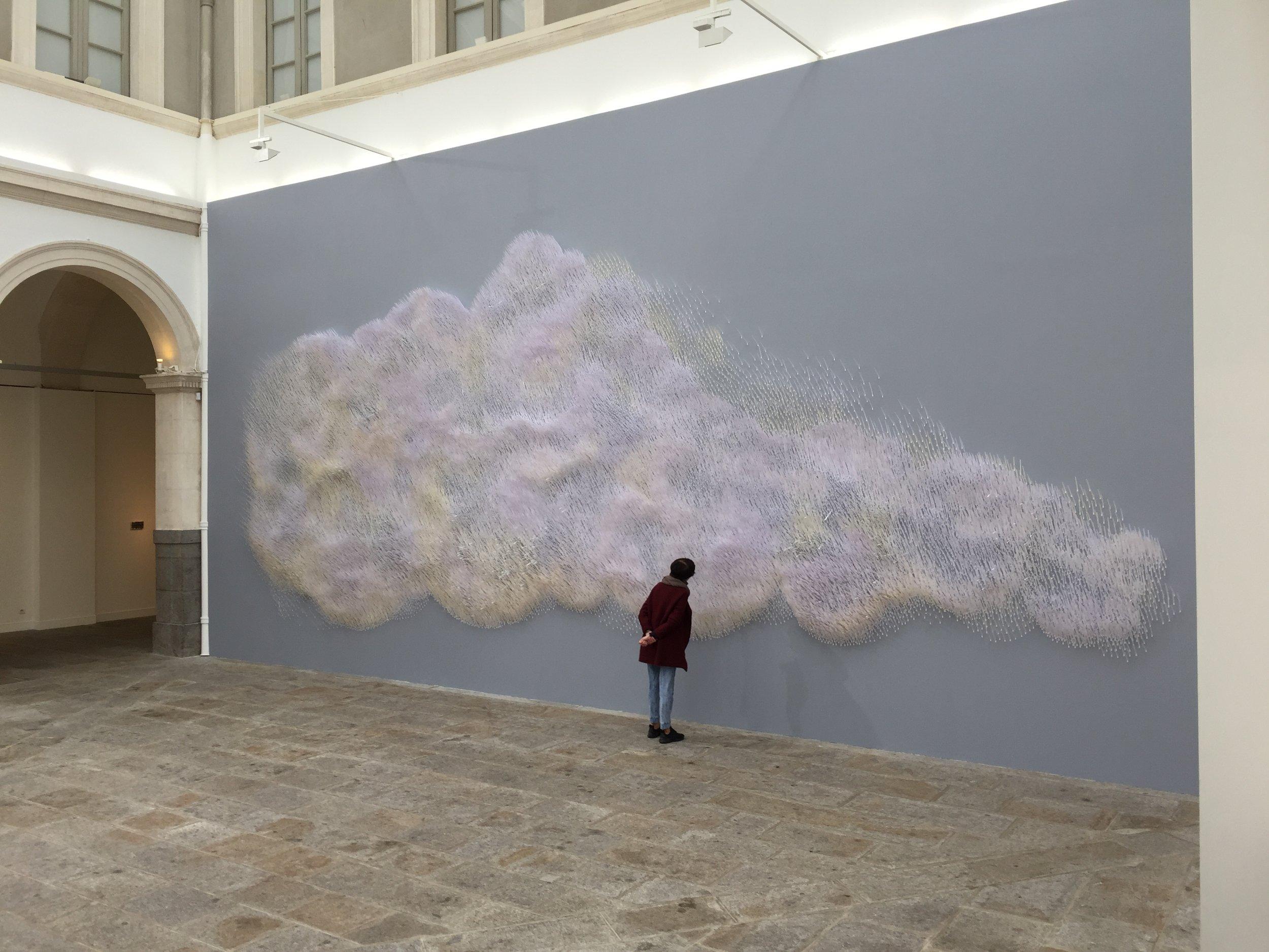 """Julie C. Fortier, """"Ascension"""",2016-17, installation olfactive, 150 000 touches à parfum, 4 parfums, 1200 x 500 cm"""